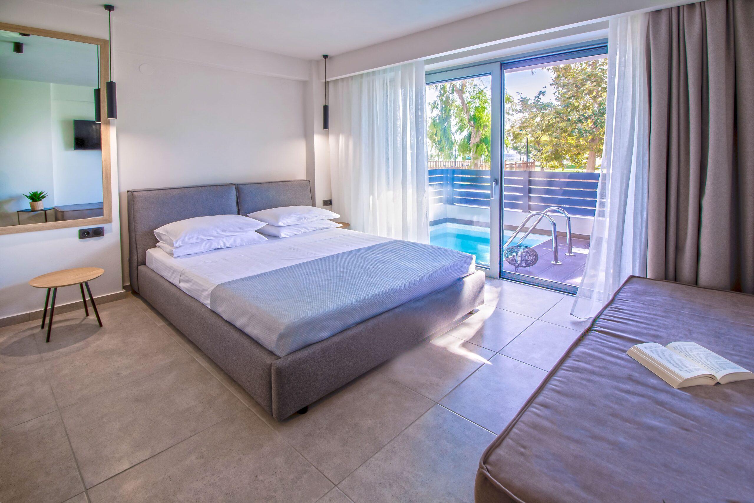 aelia suite bedroom