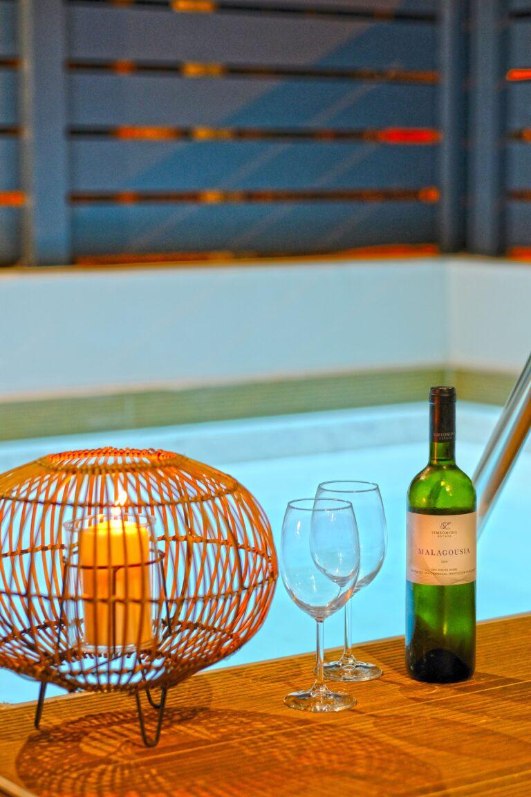 aelia suite pool